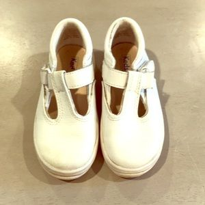 Keds little girl white leather shoes size 9